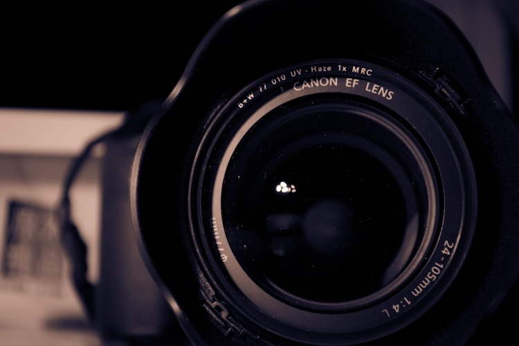 camera-672826_1920.jpg